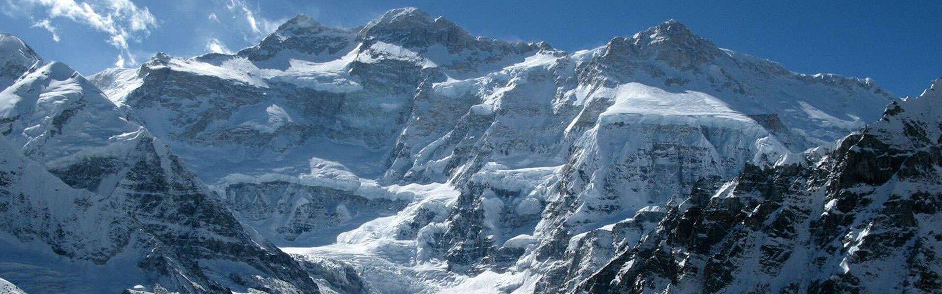 How difficult is Kanchenjunga trek